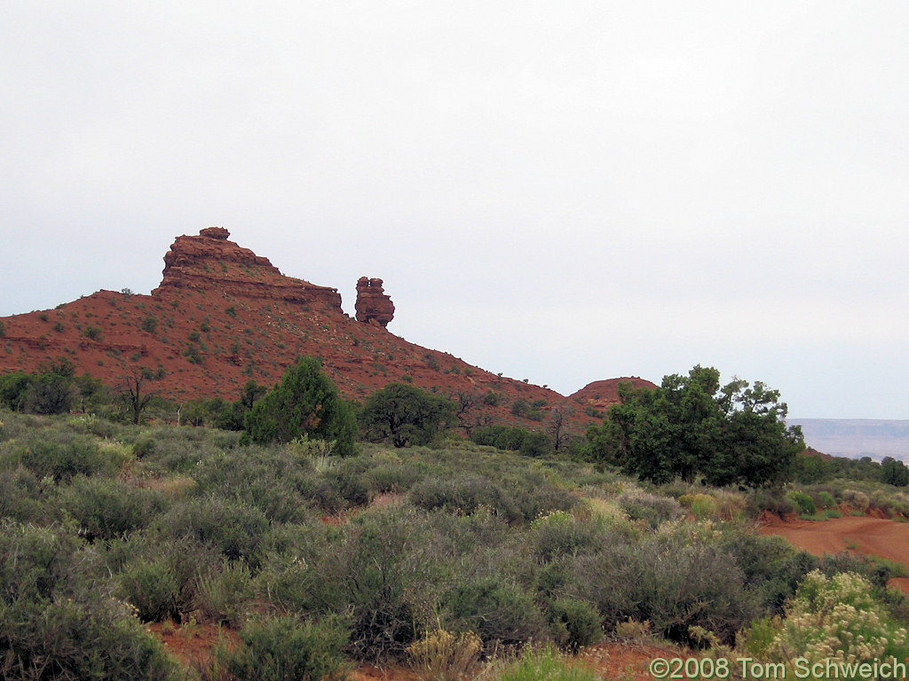 Utah, San Juan County, Squaw and Papoose Rock