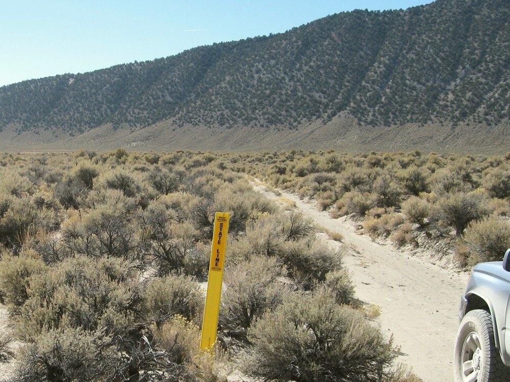 California State Boundary, Mono County, California